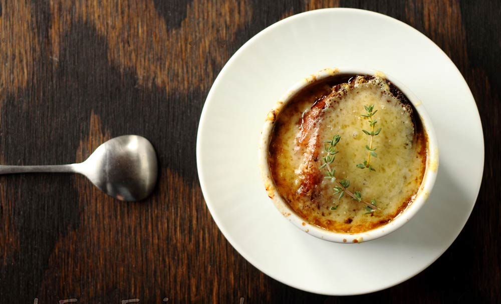 Classic French Onion Soup | Recipes | NoshOn.It