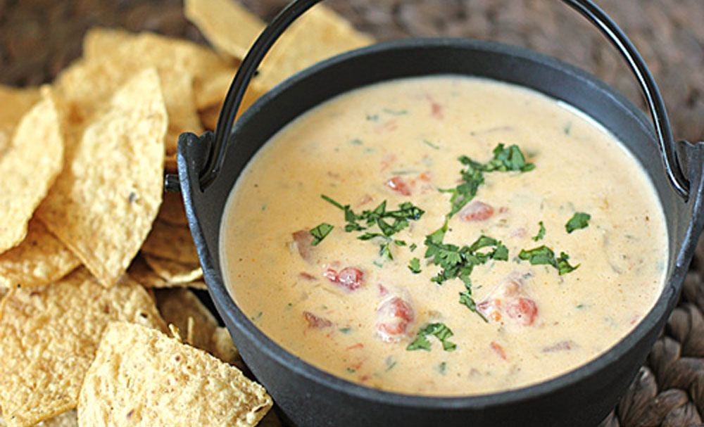 Chili Con Queso Recipe — Dishmaps