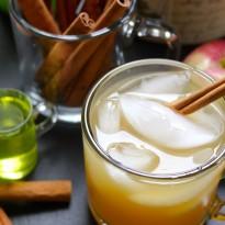 Apple Cider and Ginger Beer Cocktail