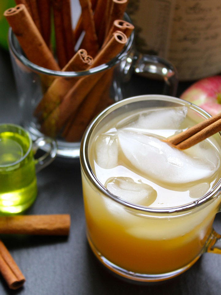 Apple Cider and Ginger Beer Cocktail | Recipes | NoshOn.It