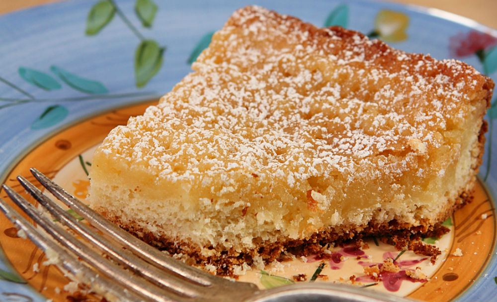 St. Louis Gooey Butter Cake | Recipes | NoshOn.It