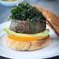 Black Bean and Quinoa Veggie Burger