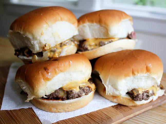 Diner-Style Cheeseburger Sliders