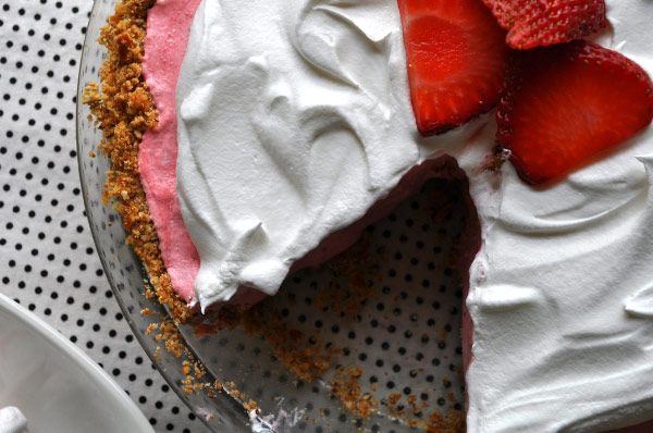 Pretzel Strawberry Icebox Pie