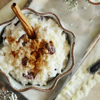 Arroz Con Leche Recipe - creamy Mexican rice pudding with cinnamon and raisins