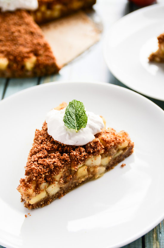 Raw Vegan Apple Pie with Cinnamon-Apple Streusel