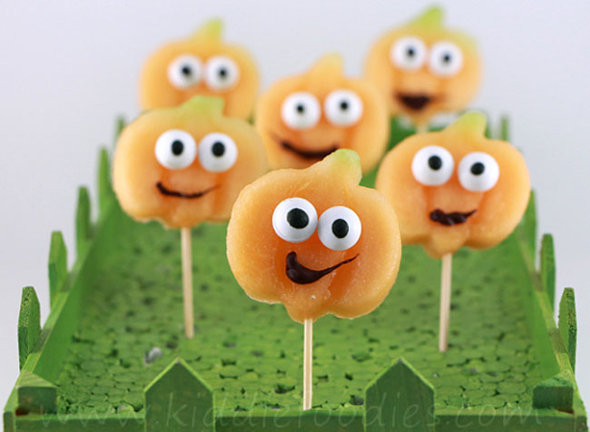 Happy Pumpkins from Kiddie Foodies plus 10 other Foodie Halloween Projects for Kids