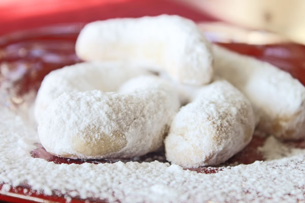 Kourabiedes - Greek Butter Cookies plus 25 other Christmas recipes