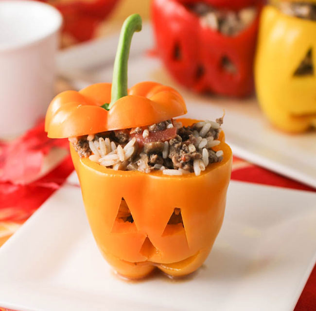 Halloween Stuffed Pepppers from Citron Limonette plus 10 other Foodie Halloween Projects for Kids