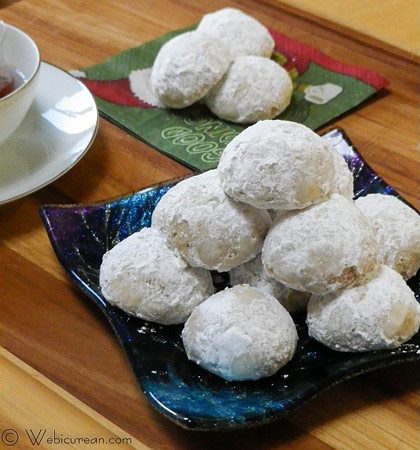 Russian Tea Cakes plus 25 other Christmas recipes