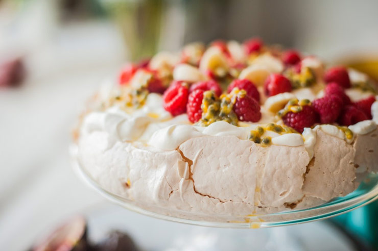 25 christmas food traditions from around the world blog noshon pavlova meringue with raspberries banana passion fruit forumfinder Images