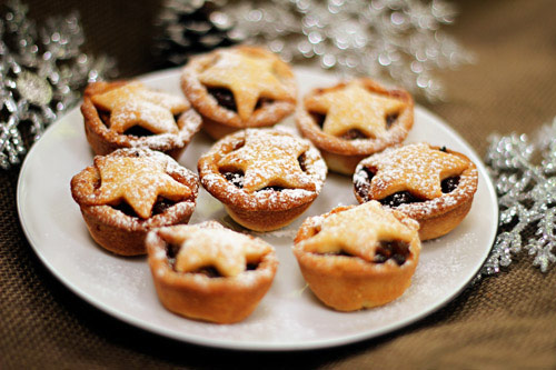 25+ Christmas Food Traditions from Around the World | Blog | NoshOn.It
