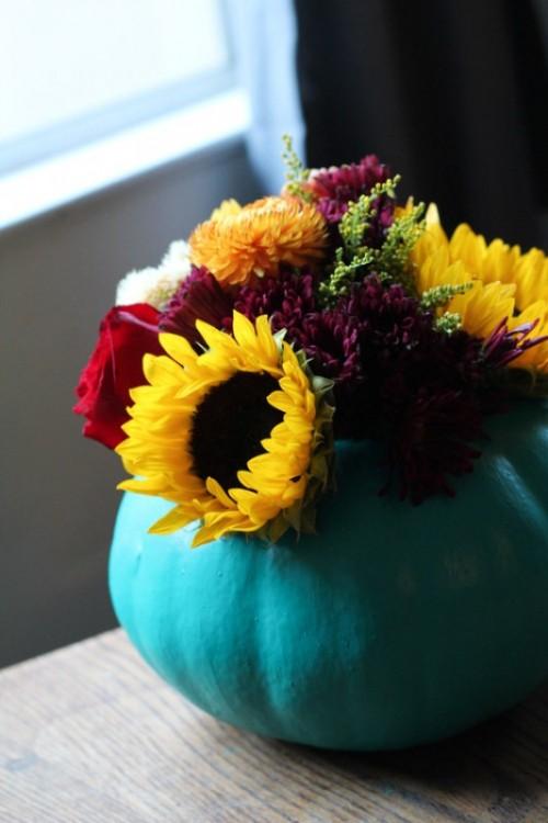 How to Make a Pumpkin Vase Centerpiece